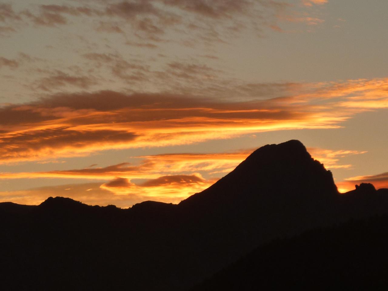 Dent d'Orlu (Ariège-depuis Bonascre) au lever du Soleil
