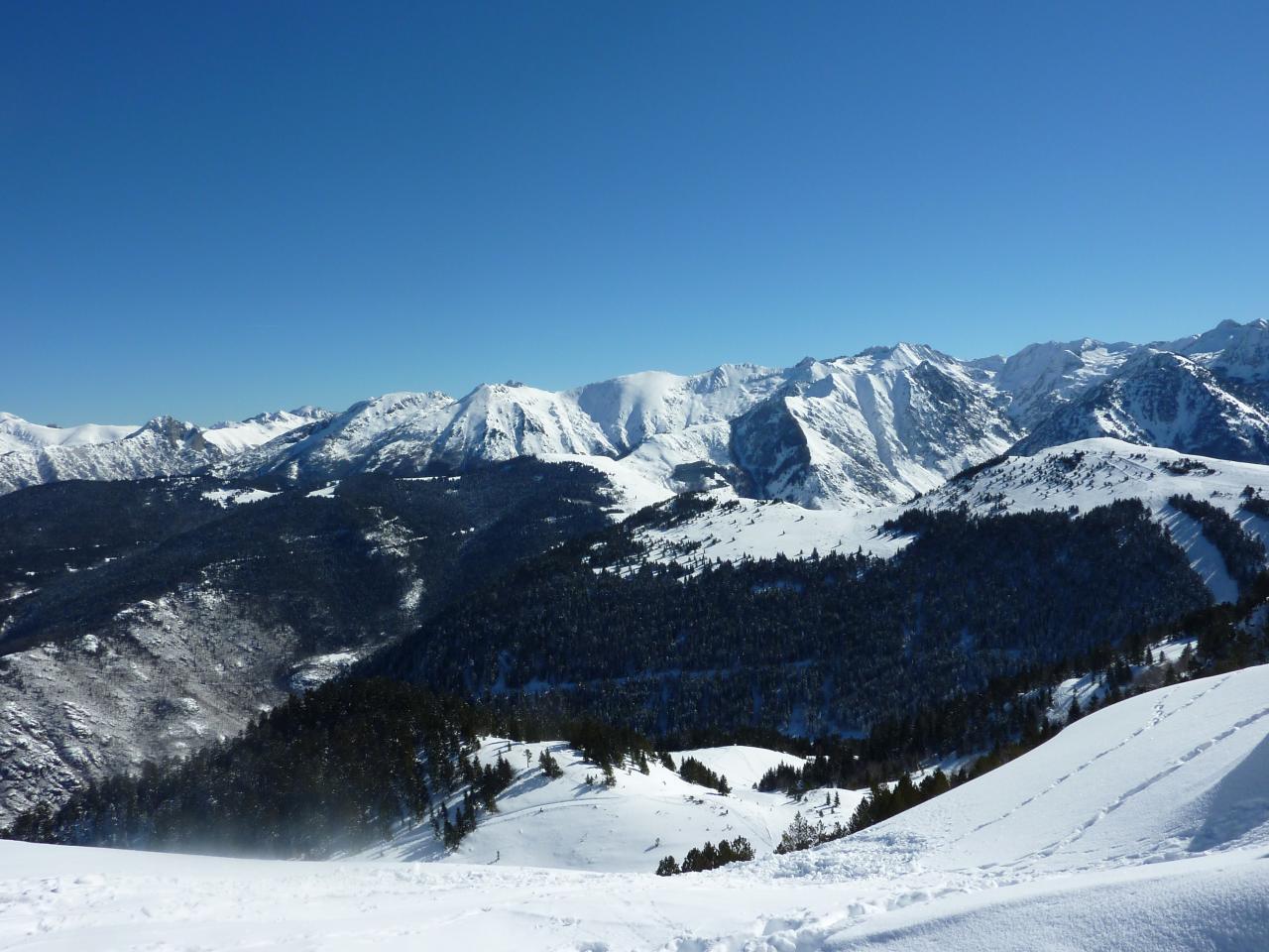 Les Pyrénées vues du Saquet (Ax Trois Domaines-Ariège Fr.)